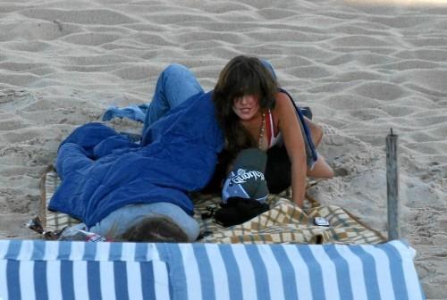 un coquine baise à la plage