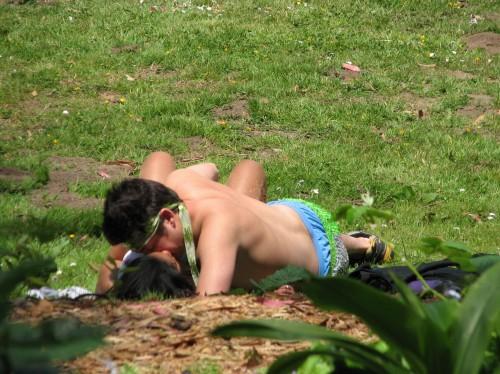 du sexe torride dans un parc