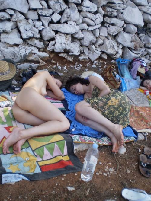 de belles nudistes nues