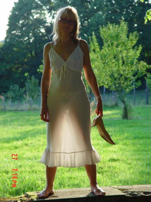 un string sous sa robe
