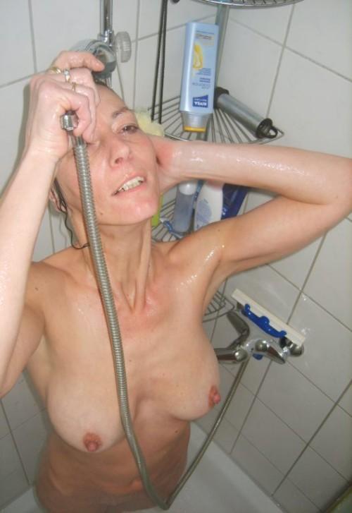 une photo voyeur d'une femme mature