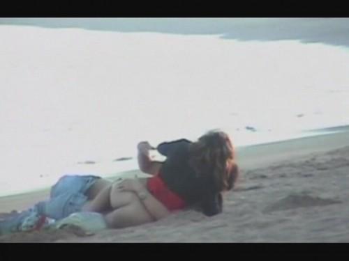 des calins sur la plage