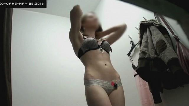 Фото голых девушек со скрытых камер на работах