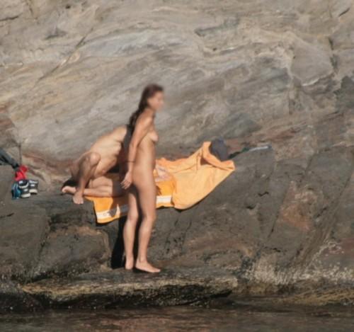 2 coquins nus