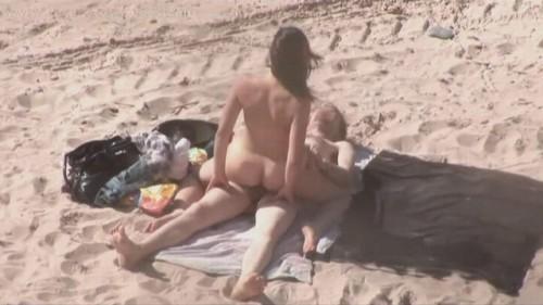 baise sur la plage