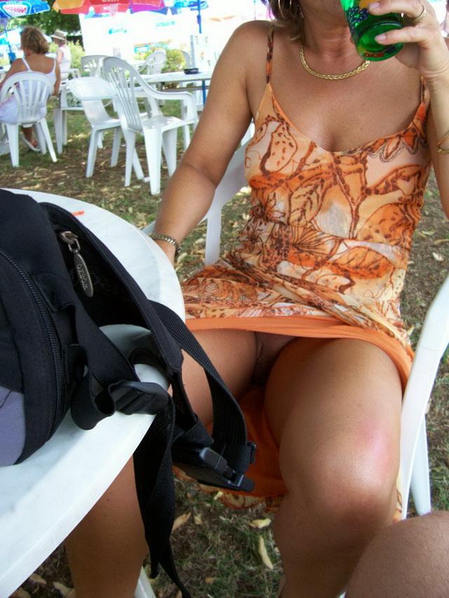 sous les jupes sans culotte meilleur site coquin