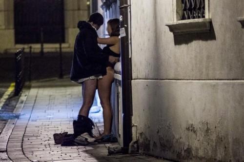 baiser dans une ruelle