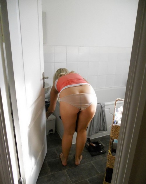 blonde en culotte