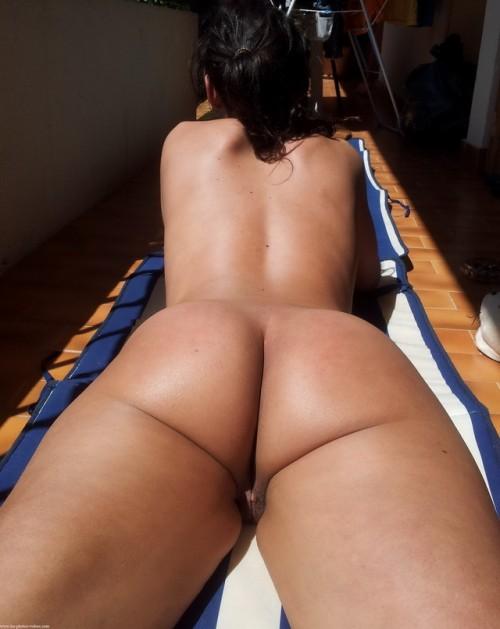 bronzer à poil sur le balcon