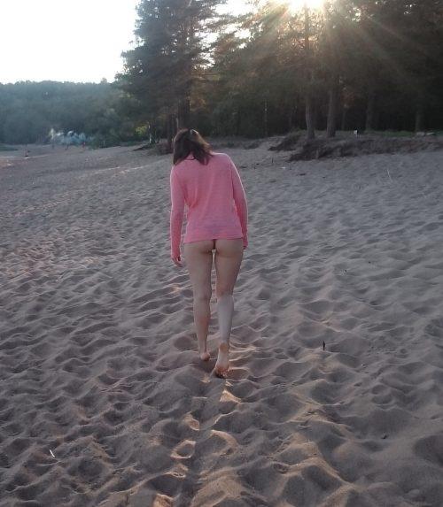 Le beau cul de sa femme à la plage